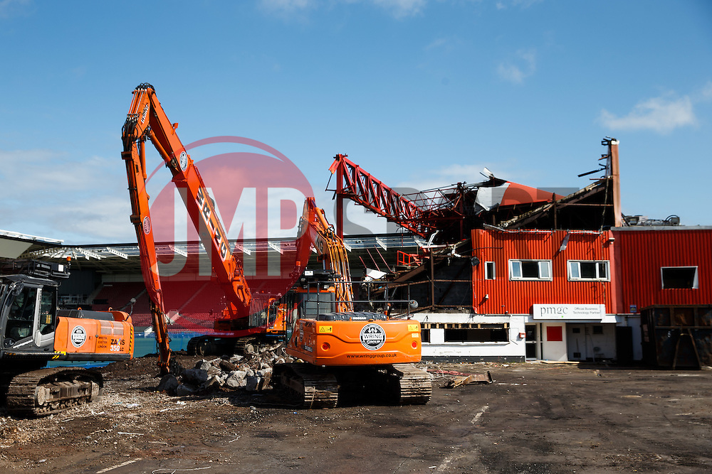 General View of Ashton Gate as Demolition of the old Williams Stand roof takes place as part of the stadium redevelopment plan - Photo mandatory by-line: Rogan Thomson/JMP - 07966 386802 - 02/07/2015 - SPORT - Bristol, England - Ashton Gate Stadium.