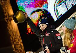 28.12.2013, Hauptplatz, Lienz, AUT, FIS Weltcup Ski Alpin, Lienz, Damen, Siegerehrung Riesentorlauf mit anschließender Auslosung der Startnummern fuer Slalom, im Bild Anna Fenninger (AUT) und Mikaela Shiffrin (USA) // during the victory ceremony of the giant slalom and the bip draw for slalom, Lienz FIS Ski Alpine World Cup at Hautpplatz in Lienz, Austria on 2013/12/28, EXPA Pictures © 2013 PhotoCredit: EXPA/ Michael Gruber
