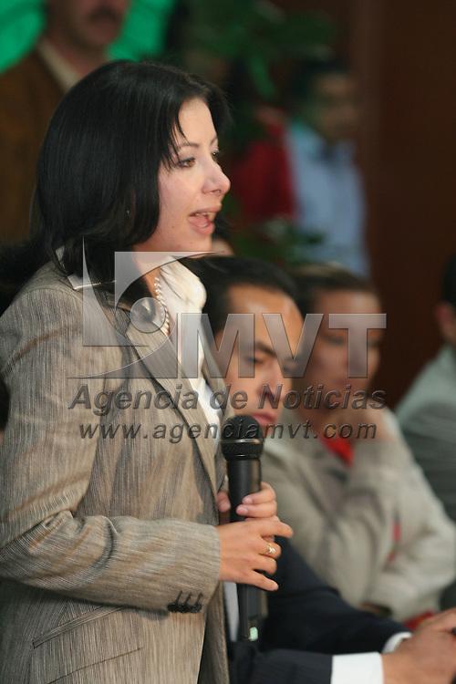 Toluca, Mex.- Silvia Fernandez Martinez, tomo protesta como dirigente estatal de la agrupaci&oacute;n filial del PRI, Mexico Nuevo. Agencia MVT / Luis Enrique Hernandez V. (DIGITAL)<br /> <br /> <br /> <br /> <br /> <br /> <br /> <br /> NO ARCHIVAR - NO ARCHIVE