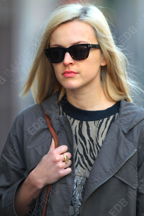 26.MARCH.2012. LONDON<br /> <br /> FEARNE COTTON ARRIVING FOR WORK AT THE BBC RADIO 1 STUDIOS IN LONDON<br /> <br /> BYLINE: EDBIMAGEARCHIVE.COM<br /> <br /> *THIS IMAGE IS STRICTLY FOR UK NEWSPAPERS AND MAGAZINES ONLY*<br /> *FOR WORLD WIDE SALES AND WEB USE PLEASE CONTACT EDBIMAGEARCHIVE - 0208 954 5968*