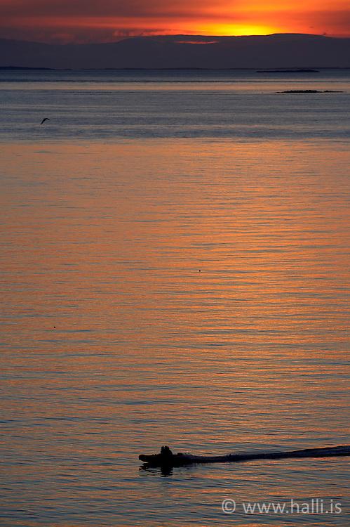 Sunset at the harbour in Stykkisholmur, Iceland - sólsetur við höfnina í Stykkishólmi