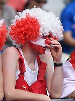 FUSSBALL EURO 2016 GRUPPE C in Paris Island - Oesterreich      22.06.2016 Oesterreichischer Fan mit Peruecke auf der Tribuene des Stade de France