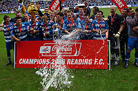 Photo: Kevin Poolman.<br /> Reading v Queens Park Rangers. Coca Cola Championship. 30/04/2006. Reading Players spray the Champagne.
