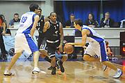 DESCRIZIONE : Desio Eurolega 2011-12 EA7 Bennet Cantu Bizkaia Bilbao Basket<br /> GIOCATORE : Andrea Cinciarini<br /> CATEGORIA : palleggio blocco<br /> SQUADRA : Bennet Cantu<br /> EVENTO : Eurolega 2011-2012<br /> GARA : Bennet Cantu Bizkaia Bilbao Basket<br /> DATA : 03/11/2011<br /> SPORT : Pallacanestro <br /> AUTORE : Agenzia Ciamillo-Castoria/GiulioCiamillo<br /> Galleria : Eurolega 2011-2012<br /> Fotonotizia : Desio Eurolega 2011-12 Bennet Cantu Bizkaia Bilbao Basket<br /> Predefinita :