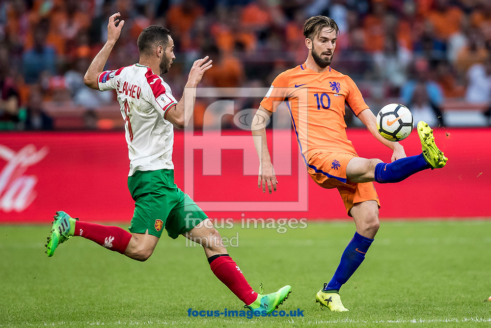 Davy Propper of Netherlands (R), Simeon Slavchev of Bulgaria (L) during the 2018 FIFA World Cup Qualifying match at Amsterdam Arena, Amsterdam<br /> Picture by Joep Joseph Leenen/Focus Images Ltd +316 5261929<br /> 03/09/2017<br /> ***NETHERLANDS OUT***