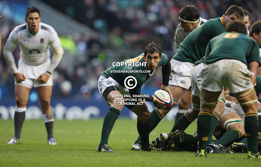 LONDON, ENGLAND - NOVEMBER 27,Ruan Pienaar  during the End of Year tour match between England and South Africa at Twickenham Stadium on November 27, 2010 in London, England<br /> Photo by Steve Haag / Gallo Images