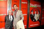 AMSTERDAM - In de DeLaMar theater is de premiere van de musical Baantjer. Met hier op de foto Jacques d'Ancona met zijn partner. FOTO LEVIN DEN BOER - PERSFOTO.NU