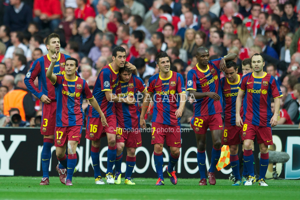 LONDON, ENGLAND, Saturday, May 28, 2011: FC Barcelona's Pedro Rodriguez celebrates scoring the first goal against Manchester United with team-mates Sergio Busquets, Lionel Messi, David Villa, Eric Abidal, Andres Iniesta during the UEFA Champions League Final at Wembley Stadium. (Photo by Chris Brunskill/Propaganda)