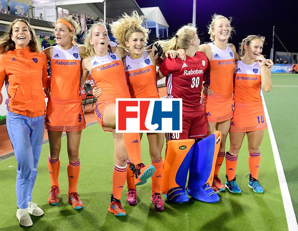 AUCKLAND - Sentinel Hockey World League final women<br /> Match id:10322<br /> 22 NED v NZL (Final)<br /> Foto:Eva de Goede, Carlien Dirkse van den Heuvel , Maartje Krekelaar, Maria Verschoor, Julia Remmerswaal (Gk), Ireen van den Assem  en Maria Verschoor <br /> Netherlands wins the Sentinel Hockey World League<br /> WORLDSPORTPICS COPYRIGHT FRANK UIJLENBROEK