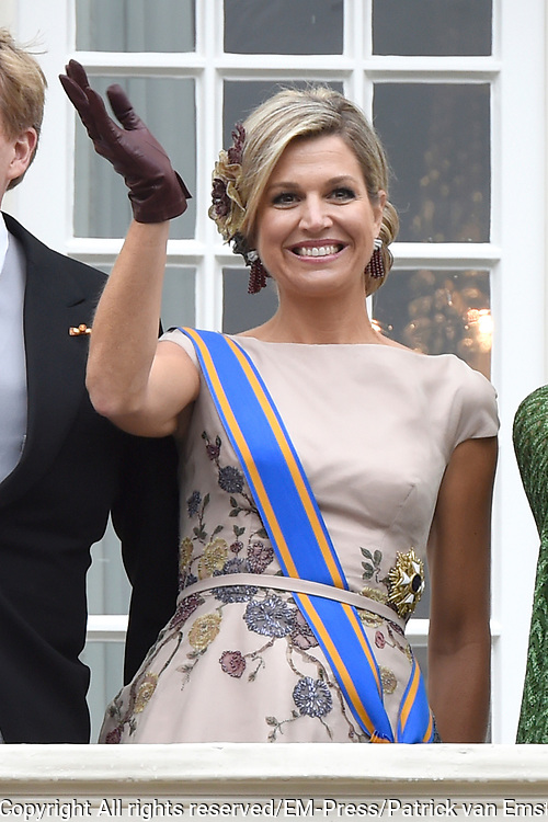 Prinsjesdag - Koninklijke familie op balkon Pakeis Noordeinde ////  Budget Day - Royal family on balcony of Palace  Noordeinde.<br /> <br /> Op de foto / On the photo: koningin Maxima  // Queen Maxima