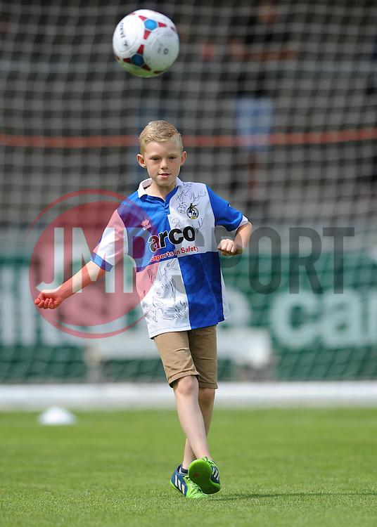 Mascot - Photo mandatory by-line: Dougie Allward/JMP - Mobile: 07966 386802 - 18/07/2015 - SPORT - Football - Bristol - Memorial Stadium - Pre-Season Friendly