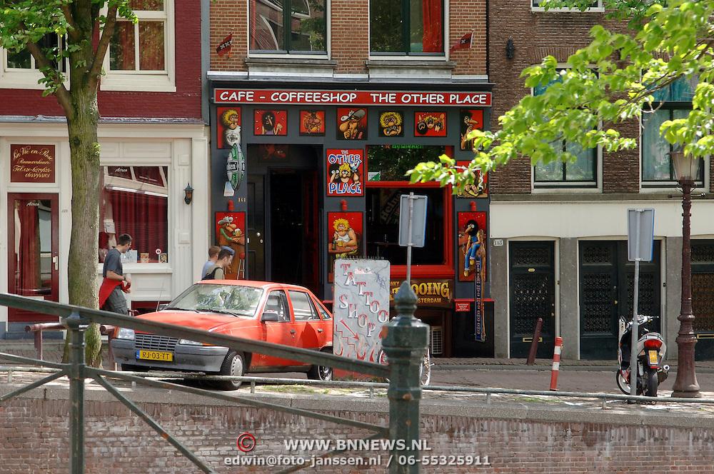 NLD/Amsterdam/20060520 - Coffeshop the Other Place Amsterdam, eigendom van de Hells Angels