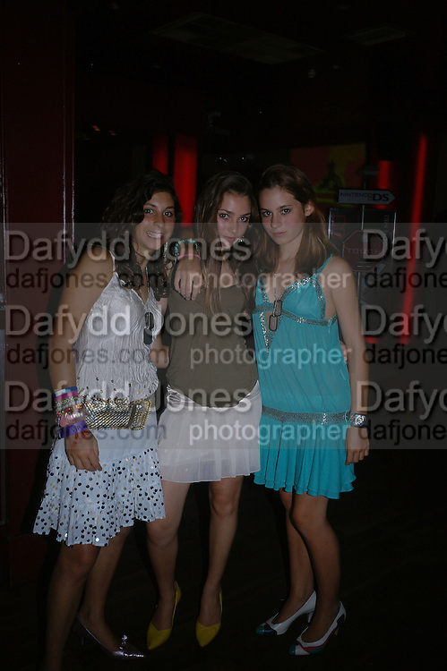 Angelica Malin-Hyms, Romilly Tollemache and Emily Laing. Manhattan A* List party in aid of the British Dyslexia association. Raffles nightclub. King's Rd. London. 29 August 2005. ONE TIME USE ONLY - DO NOT ARCHIVE  © Copyright Photograph by Dafydd Jones 66 Stockwell Park Rd. London SW9 0DA Tel 020 7733 0108 www.dafjones.com