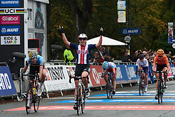 Megan Jastrab (USA) wins UCI Road World Championships 2019 Women's Junior Road Race a 86 km road race from Doncaster to Harrogate, United Kingdom on September 27, 2019. Photo by Sean Robinson/velofocus.com