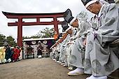 YABUSAME - EQUESTRIAN ARCHERY SHINTO RITUAL - JAPAN