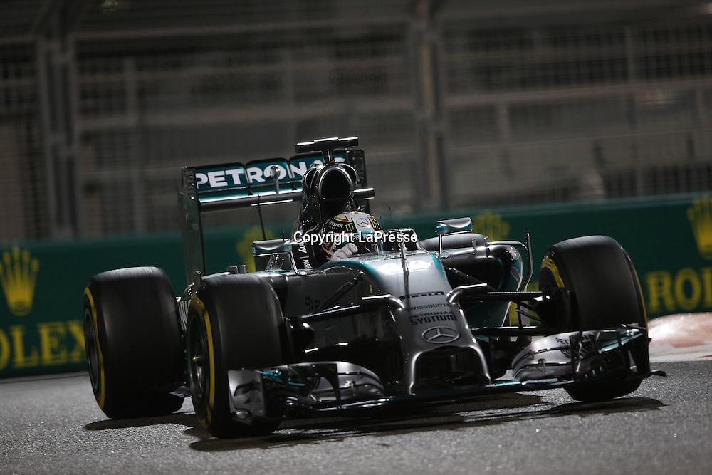 &copy; Photo4 / LaPresse<br /> 21/11/2014 Abu Dhabi, UAE<br /> Sport <br /> Grand Prix Formula One Abu Dhabi 2014<br /> In the pic: Lewis Hamilton (GBR) Mercedes AMG F1 W05