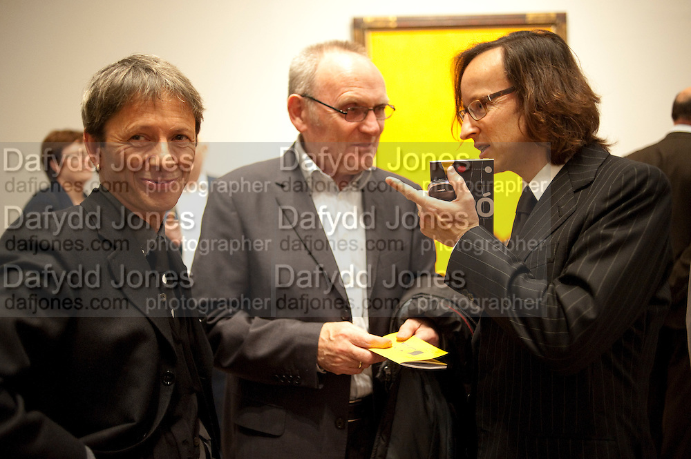 EMILIO FERNANDEZ MIRO; PETER MURRAY; JOAN PUNYET MIRO, Joan Mir—: The Ladder of Escape. Tate Modern. London. 12 April 2011. -DO NOT ARCHIVE-© Copyright Photograph by Dafydd Jones. 248 Clapham Rd. London SW9 0PZ. Tel 0207 820 0771. www.dafjones.com.<br /> EMILIO FERNANDEZ MIRO; PETER MURRAY; JOAN PUNYET MIRO, Joan Miró: The Ladder of Escape. Tate Modern. London. 12 April 2011. -DO NOT ARCHIVE-© Copyright Photograph by Dafydd Jones. 248 Clapham Rd. London SW9 0PZ. Tel 0207 820 0771. www.dafjones.com.