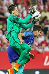 01-06-2016 POL: Polen - Nederland, Gdansk<br /> Oefenwedstrijd dat met 2-1 wordt gewonnen / Wojciech Szczesny (POL) , Marco van Ginkel (NED)  <br /> <br /> ***NETHERLANDS ONLY***