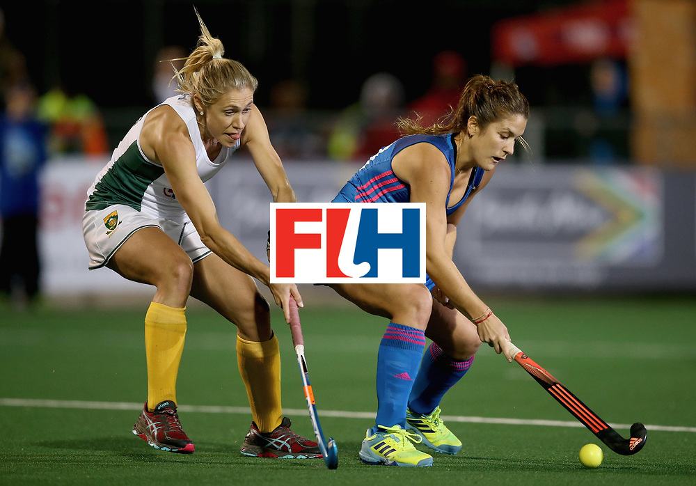 JOHANNESBURG, SOUTH AFRICA - JULY 12: Julia Gomes of Argentina and Shelley Jones of South Africa battle for possession during day 3 of the FIH Hockey World League Semi Finals Pool B match between South Africa and Argentina at Wits University on July 12, 2017 in Johannesburg, South Africa. (Photo by Jan Kruger/Getty Images for FIH)