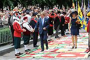 Zijne Majesteit Koning Willem Alexander en Hare Majesteit Koningin M&aacute;xima bezoeken de provincie Noord-Brabant <br /> <br /> His Majesty King Willem Alexander and M&aacute;xima Her Majesty Queen visits the province of Noord-Brabant<br /> <br /> Op de foto / On the photo:   De Koning en Koningin lopen via de Stationstraat naar de Lind. Daar worden zij voorgesteld aan de voorzitter van de Noord-Brabantse federatie van schuttersgilden. Op de Lind staan de gilden opgesteld, waarbij de Koning en<br /> Koningin over de vaandels gaan. <br /> <br /> The King and Queen walking through the Stationstraat to Lind. There they presented to the chairman of the North Brabant federation of muskets. The Lind are the guilds established, where the King and<br /> Queen of the banners go.