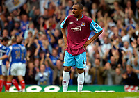 Photo: Alan Crowhurst.<br />Portsmouth v West Ham United. The Barclays Premiership. 14/10/2006. Hammer's Danny Gabidon can't believe Pompey have scored a second.