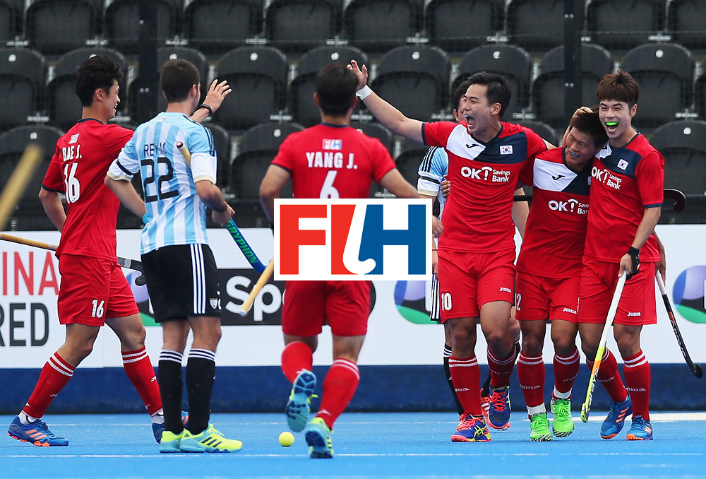 LONDON, ENGLAND - JUNE 15:  Namyong Lee of South Korea (2R) celebrates as he scores their first goal with team mates during the Pool A match between Korea and Argentina on day one of Hero Hockey World League Semi-Final at Lee Valley Hockey and Tennis Centre on June 15, 2017 in London, England.  (Photo by Alex Morton/Getty Images)