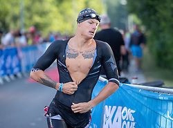 07.07.2019, Klagenfurt, AUT, Ironman Austria, Schwimmen, im Bild Alexander Gräf (AUT) // Alexander Gräf (AUT) during the swimming competition of the Ironman Austria in Klagenfurt, Austria on 2019/07/07. EXPA Pictures © 2019, PhotoCredit: EXPA/ Johann Groder