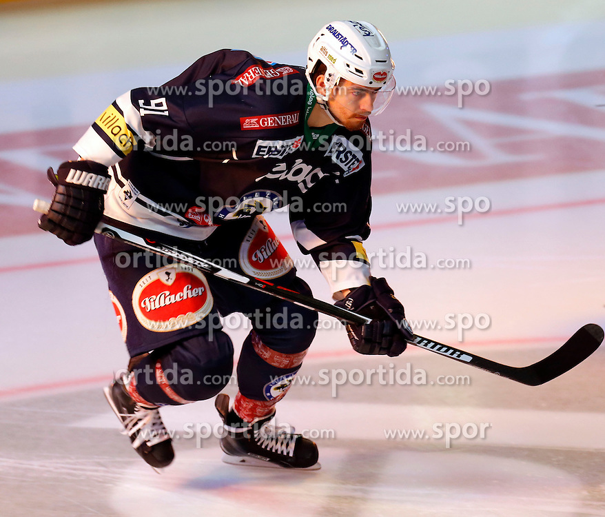 18.10.2015, Stadthalle, Villach, AUT, EBEL, EC VSV vs HDD Telemach Olimpija Ljubljana, 13. Runde, im Bild Miha Verlic (VSV) // during the Erste Bank Icehockey League 13th round match between EC VSV vs HDD Telemach Olimpija Ljubljana at the City Hall in Villach, Austria on 2015/10/18, EXPA Pictures © 2015, PhotoCredit: EXPA/ Oskar Hoeher