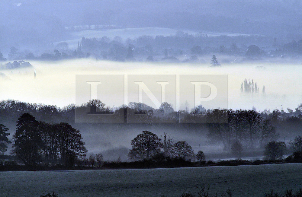 © Licensed to London News Pictures. 28/12/2016<br /> Fields around Sevenoaks and Dunton Green.<br /> Freezing foggy weather this morning in Sevenoaks,Kent<br /> Photo credit :Grant Falvey/LNP