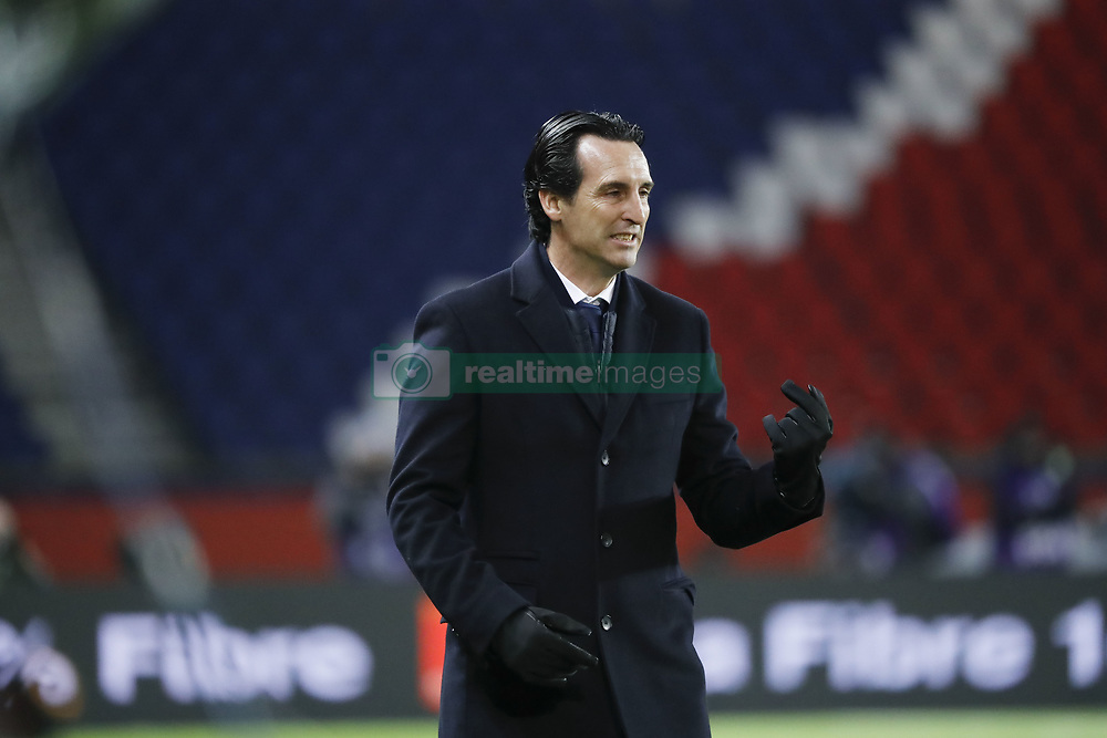 November 29, 2017 - Paris, Ile de France, France - Unai Emery (PSG) tendu car aucun but inscrit en premiere periode (Credit Image: © Panoramic via ZUMA Press)