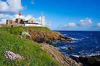 France, Finistère (29), Plougonvelin, étape sur le chemin de Saint-Jacques de Compostelle, Pointe Saint Mathieu, le phare, l'ancienne abbaye // France, Briitany, Finistere,  Plougonvelin, lighthouse at the Pointe Saint Mathieu