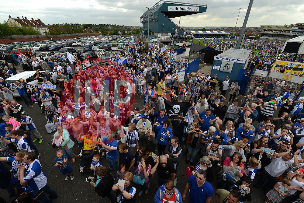 Fans gather at the Memorial Stadium as the bus tour finishes - Photo mandatory by-line: Dougie Allward/JMP - Mobile: 07966 386802 - 25/05/2015 - SPORT - Football - Bristol - Bristol Rovers Bus Tour