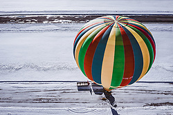 04.02.2019, Zell am See - Kaprun, AUT, BalloonAlps, im Bild ein Heissluftballon wird auf seine Fahrt vorbereitet // a hot-air balloon is prepared for his trip during the International Balloonalps Alps Crossing Event, Zell am See Kaprun, Austria on 2019/02/04. EXPA Pictures © 2019, PhotoCredit: EXPA/ JFK