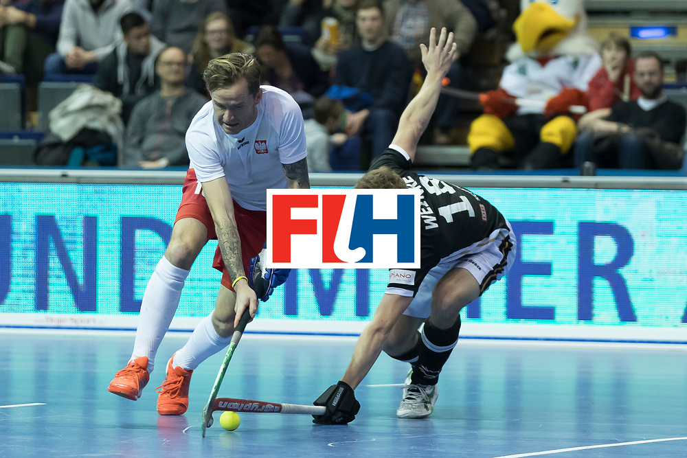 Hockey, Seizoen 2017-2018, 08-02-2018, Berlijn,  Max-Schmelling Halle, WK Zaalhockey 2018 MEN, Poland - Germany 3-6, MIKULA Artur (POL) en WEINKE Ferdinand (GER).