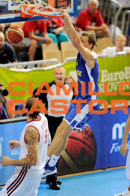 DESCRIZIONE : Capodistria Koper Slovenia Eurobasket Men 2013 Preliminary Round  Russia Svezia Russia Sweden<br /> GIOCATORE : Viktor Gaddegors<br /> CATEGORIA : schiacciata special<br /> SQUADRA : Svezia<br /> EVENTO : Eurobasket Men 2013<br /> GARA :  Russia Svezia Russia Sweden<br /> DATA : 07/09/2013 <br /> SPORT : Pallacanestro&nbsp;<br /> AUTORE : Agenzia Ciamillo-Castoria/N. Dalla Mura<br /> Galleria : Eurobasket Men 2013 <br /> Fotonotizia : Capodistria Koper Slovenia Eurobasket Men 2013 Preliminary Round  Russia Svezia Russia Sweden