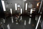 In Delft wordt een model gemaakt van de rijdster Iris Slappendel met een 3D scanner. In september wil het Human Power Team Delft en Amsterdam, dat bestaat uit studenten van de TU Delft en de VU Amsterdam, tijdens de World Human Powered Speed Challenge in Nevada een poging doen het wereldrecord snelfietsen voor vrouwen te verbreken met de VeloX 7, een gestroomlijnde ligfiets. Het record is met 121,44 km/h sinds 2009 in handen van de Francaise Barbara Buatois. De Canadees Todd Reichert is de snelste man met 144,17 km/h sinds 2016.<br /> <br /> A 3D model is made of rider Iris Slappendel with a 3D scanner. With the VeloX 7, a special recumbent bike, the Human Power Team Delft and Amsterdam, consisting of students of the TU Delft and the VU Amsterdam, also wants to set a new woman's world record cycling in September at the World Human Powered Speed Challenge in Nevada. The current speed record is 121,44 km/h, set in 2009 by Barbara Buatois. The fastest man is Todd Reichert with 144,17 km/h.