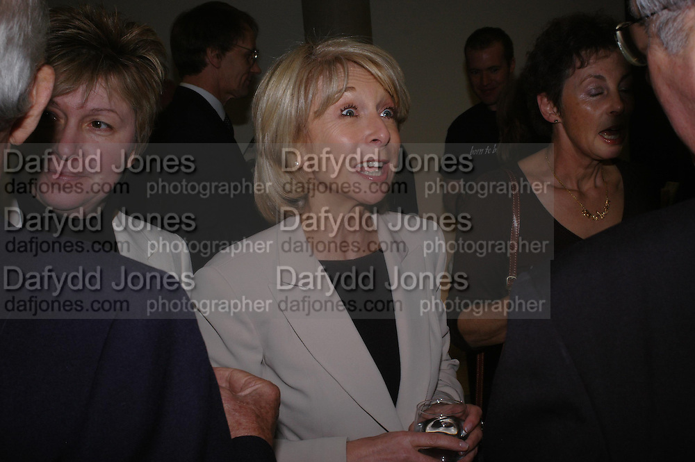 Helen Worth. Cocktail party celebrating Born Free Foundation 21 years anniversary.  Royal Geographical Society, Kensington Gore. 14 march 2005. ONE TIME USE ONLY - DO NOT ARCHIVE  © Copyright Photograph by Dafydd Jones 66 Stockwell Park Rd. London SW9 0DA Tel 020 7733 0108 www.dafjones.com