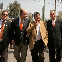 METEPEC, México.- Después de varios intentos por instalar el consejo estatal del Partido Convergencia, se reunierón Ignacio Samperio y  Dante Delgado,  en donde se designo como nuevo delegado de Convergencia en el Estado de México a Alejandro Chanona. Agencia MVT / Crisanta Espinosa. (DIGITAL)