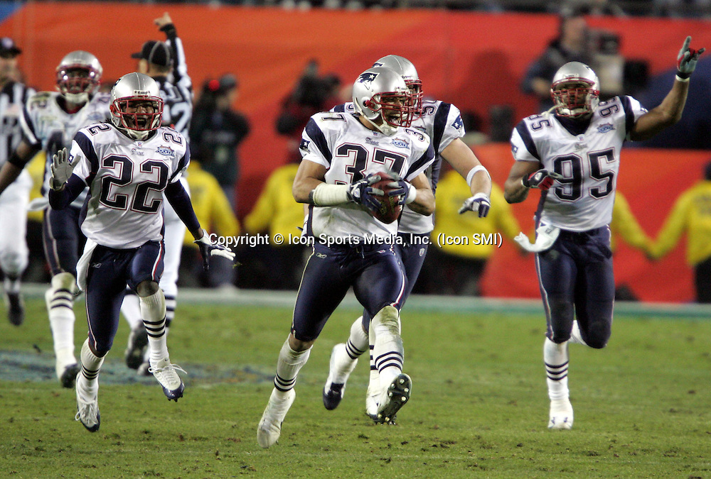 6 February 2005: Rodney Harrison runs down the field after an interception at the end of the game as the Patriots beat the Eagles 24-21at Superbowl XXXIX at ALLTEL Stadium in Jacksonville, FL<br />Mandatory Credit: Jeff Lewis/Icon SMI