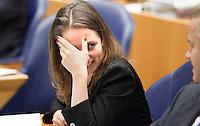 Nederland. Den Haag, 27 oktober 2010.<br /> De Tweede Kamer debatteert over de regeringsverklaring van het kabinet Rutte.<br /> Fleur Agema lacht met Geert Wilders, PVV<br /> Kabinet Rutte, regeringsverklaring, tweede kamer, politiek, democratie. regeerakkoord, gedoogsteun, minderheidskabinet, eerste kabinet Rutte, Rutte1, Rutte I, debat, parlement<br /> Foto Martijn Beekman