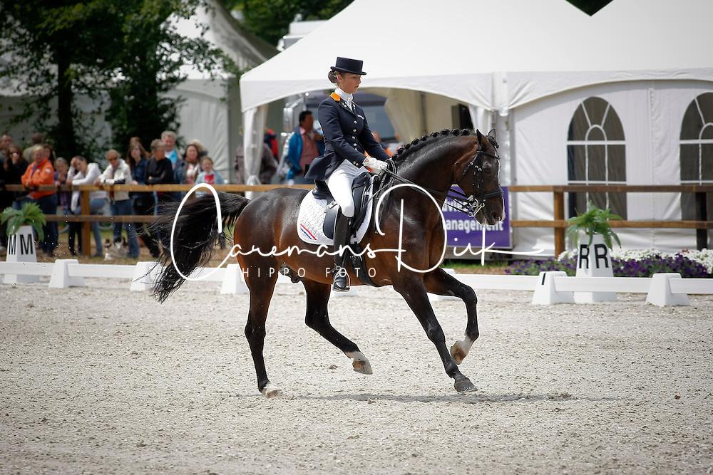 De Jongh Kimberley (NED) - Inspekteur<br /> Nederlands Kampioenschap Dressuur - De Steeg 2009<br /> Photo &copy; Dirk Caremans