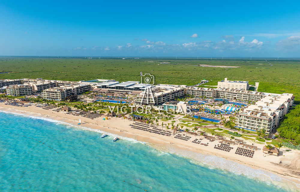 Aerial photo of Hotel Royalton. Riviera Cancun.