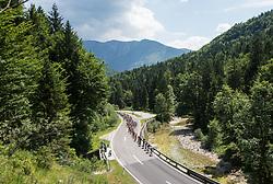 08.07.2017, Wels, AUT, Ö-Tour, Österreich Radrundfahrt 2017, 6. Etappe von St. Johann/Alpendorf nach Wels (203,9 km), im Bild das Feld im Weissenbachtal, Oberösterreich // the peleton at the Weissenbachtal Upper Austria during the 6th stage from St. Johann/Alpendorf to Wels (203,9 km) of 2017 Tour of Austria. Wels, Austria on 2017/07/08. EXPA Pictures © 2017, PhotoCredit: EXPA/ Reinhard Eisenbauer