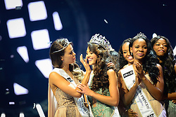 SUN Sun City (SOUTH AFRICA), March 26, 2017  The first runner-up Ade van Heerden (1st L) wipes off the first prize winner Demi-Leigh Nel-Peters' tears, while the second runner-up Boipelo Mabe (2nd R) applauds during the?Miss?South?Africa?2017 Pageant and Celebration in Sun City, North West Province,?South?Africa, on March 26, 2017. The?Miss?South?Africa?2017 Pageant and Celebration was held here Sunday. Demi-Leigh Nel-Peters from Sedgefield in the Western Cape Province, a 21-year-old part-time model, was crowned?Miss?South?Africa?2017 with a prize of one million rand (about 80,000 US dollars), and the runners-up are Ade van Heerden (1st Princess) from the Western Cape Province and Boipelo Mabe (2nd Princess) from Gauteng Province. (Credit Image: © Zhai Jianlan/Xinhua via ZUMA Wire)