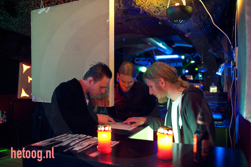 Nederland, deventer  26nov2011 , gothicparty op een zaterdagavond bij jongerenstichting Walhalla - achter de muren in Deventer