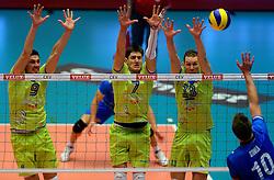 21-09-2013 VOLLEYBAL: EK MANNEN SLOVENIE - FINLAND: HERNING<br /> (L-R) Dejan Vincic, Matevz Kamnik, Tine Urnaut<br /> ©2013-FotoHoogendoorn.nl<br />  / SPORTIDA