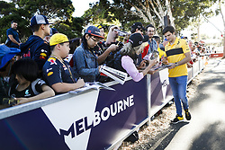 March 22, 2018 - Melbourne, Victoria, Australia - SAINZ Carlos (spa), Renault Sport F1 Team RS18, portrait autographs with fans during 2018 Formula 1 championship at Melbourne, Australian Grand Prix, from March 22 To 25 - Photo  Motorsports: FIA Formula One World Championship 2018, Melbourne, Victoria : Motorsports: Formula 1 2018 Rolex  Australian Grand Prix, (Credit Image: © Hoch Zwei via ZUMA Wire)