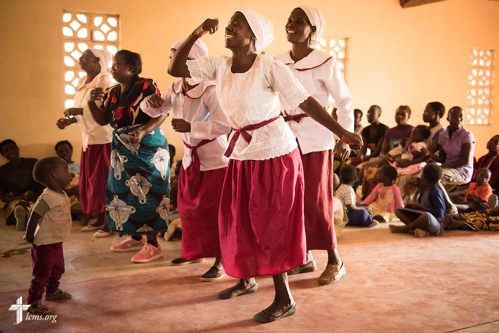 Women lead in song during worship at a Confessional Lutheran Church–Malawi Synod parish on Saturday, Sept. 26, in Embangweni, Malawi. LCMS Communications/Erik M. Lunsford