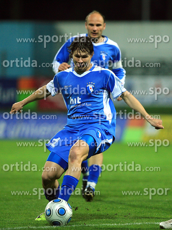 Etien Velikonja of Hit Gorica at 27th Round of Slovenian First League football match between ND Hit Gorica and NK Primorje Ajdovscina in Sports park Nova Gorica, on April 8, 2009, in Nova Gorica, Slovenia. (Photo by Vid Ponikvar / Sportida)