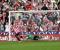 Photo: Mark Stephenson/Richard Lane Photography. <br /> Sheffield United v Cardiff City. Coca-Cola Championship. 19/04/2008. <br /> Sheffield's Gary Speed scores from the penalty spot for 2-1